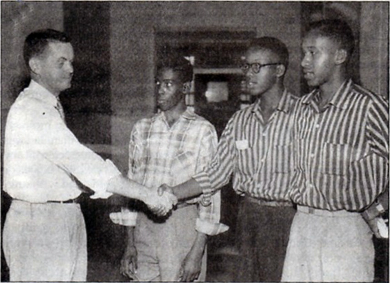 wiliam-robert-mann-congratulating-first-black-undergraduates-admitted-to-the-university-of-north-carolina-september-1955