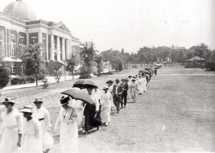 tuskegee_commencement-5_2_1917